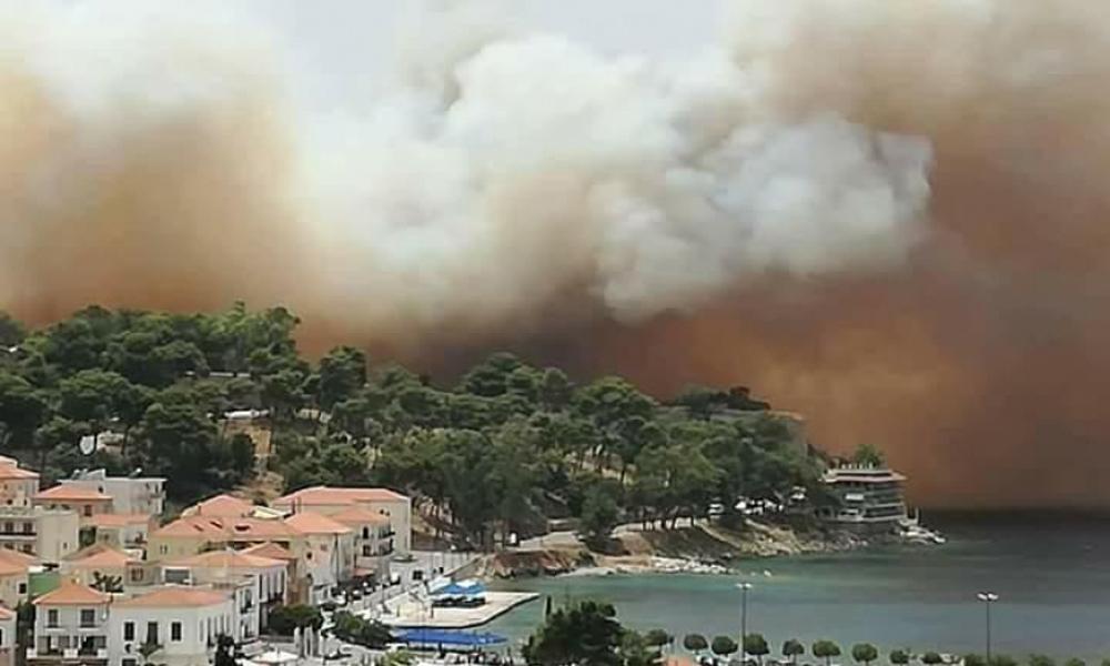 Υπό έλεγχο τέθηκε η μεγάλη πυρκαγιά στο Κάστρο της Πύλου