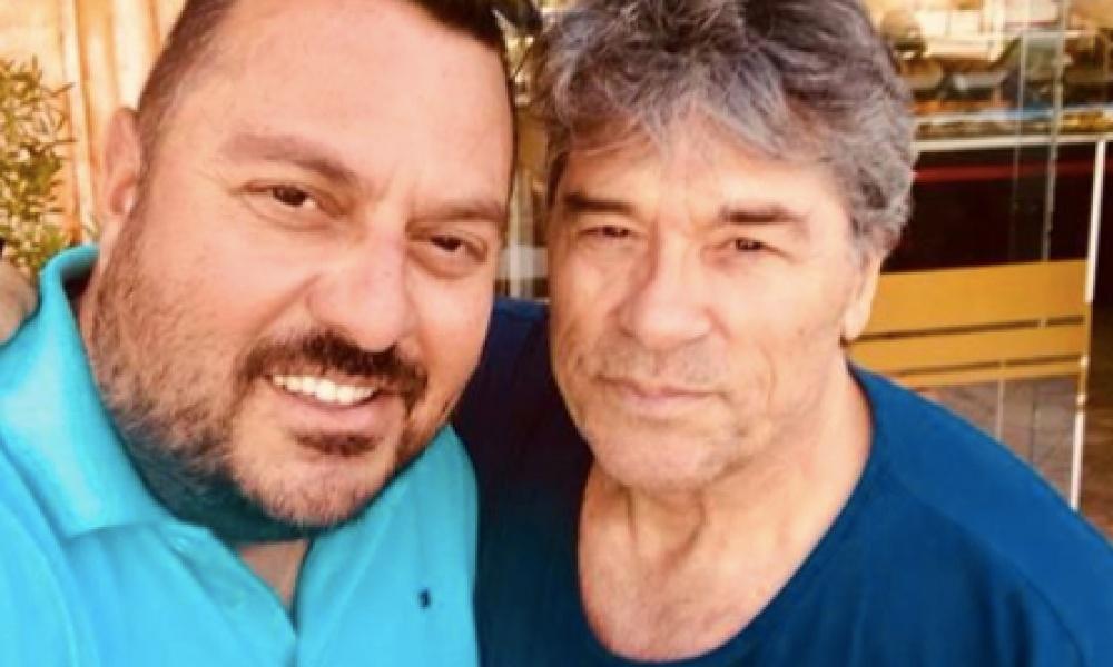 Πάντα γοητευτικός και στα 69 του χρόνια, ο Πάνος Μιχαλόπουλος!