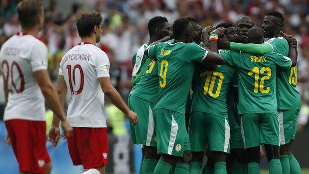 H Σενεγάλη, 2-1 την Πολωνία (photos + videos)