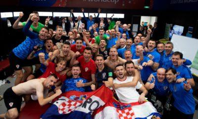 Πανηγύρισαν στα αποδυτήρια, με τον πρωθυπουργό τους, οι Κροάτες (+ video) 22