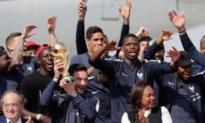 Στους δρόμους οι Γάλλοι: Το Παρίσι υποδέχθηκε τους Παγκόσμιους της Ρωσίας! (photos) 12