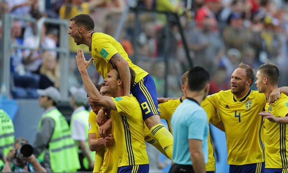 Με… καραμπόλα στους «8» η Σουηδία! (+ video)