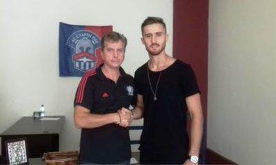 Ανακοίνωση και... φωτό (και) με τον νεαρό Αλβανό πορτιέρο 6