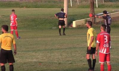 Διαιτητής εκνευρίστηκε με τους παίκτες κι έφυγε από το γήπεδο! [video] 8