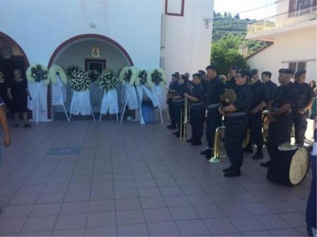 Πλήθος κόσμου στη κηδεία του Νίκου Βασιλείου