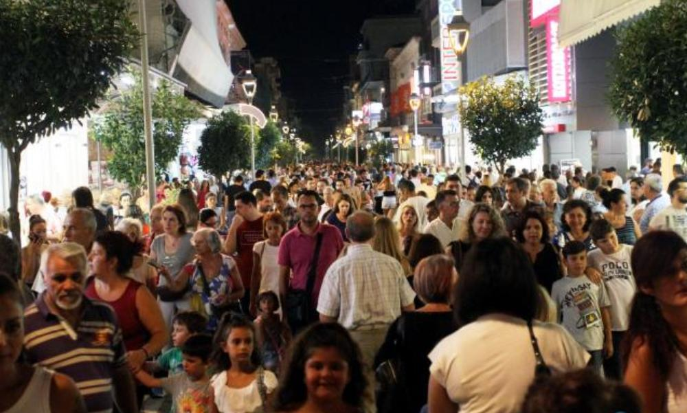 """Χιλιάδες κόσμου και φέτος, στην 6η """"Λευκή Νύχτα"""" της Καλαμάτας! (photos + videos)"""