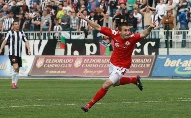 Έργο…  Αντόν Καρατσανάκοφ και 0-2 η Πανάχα, στην Κόρινθο!