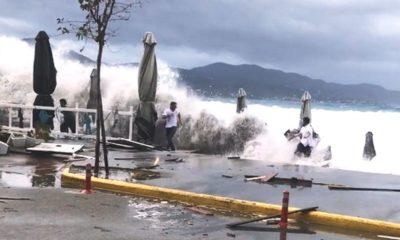 Ζορμπάς: Απίστευτη ανευθυνότητα - Τρέχουν να μαζέψουν ομπρέλες εν μέσω του κυκλώνα στην Καλαμάτα (+video) 8