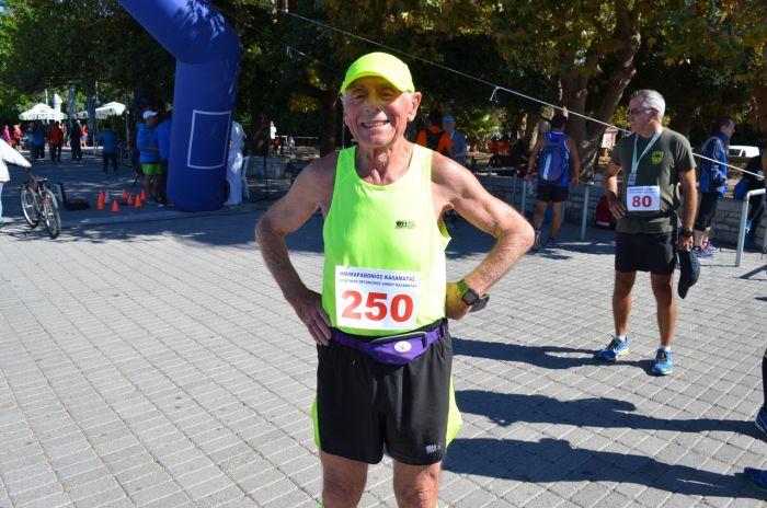 Γιώργος Γιαννακάκης: Ο γηραιότερος Έλληνας δρομέας!