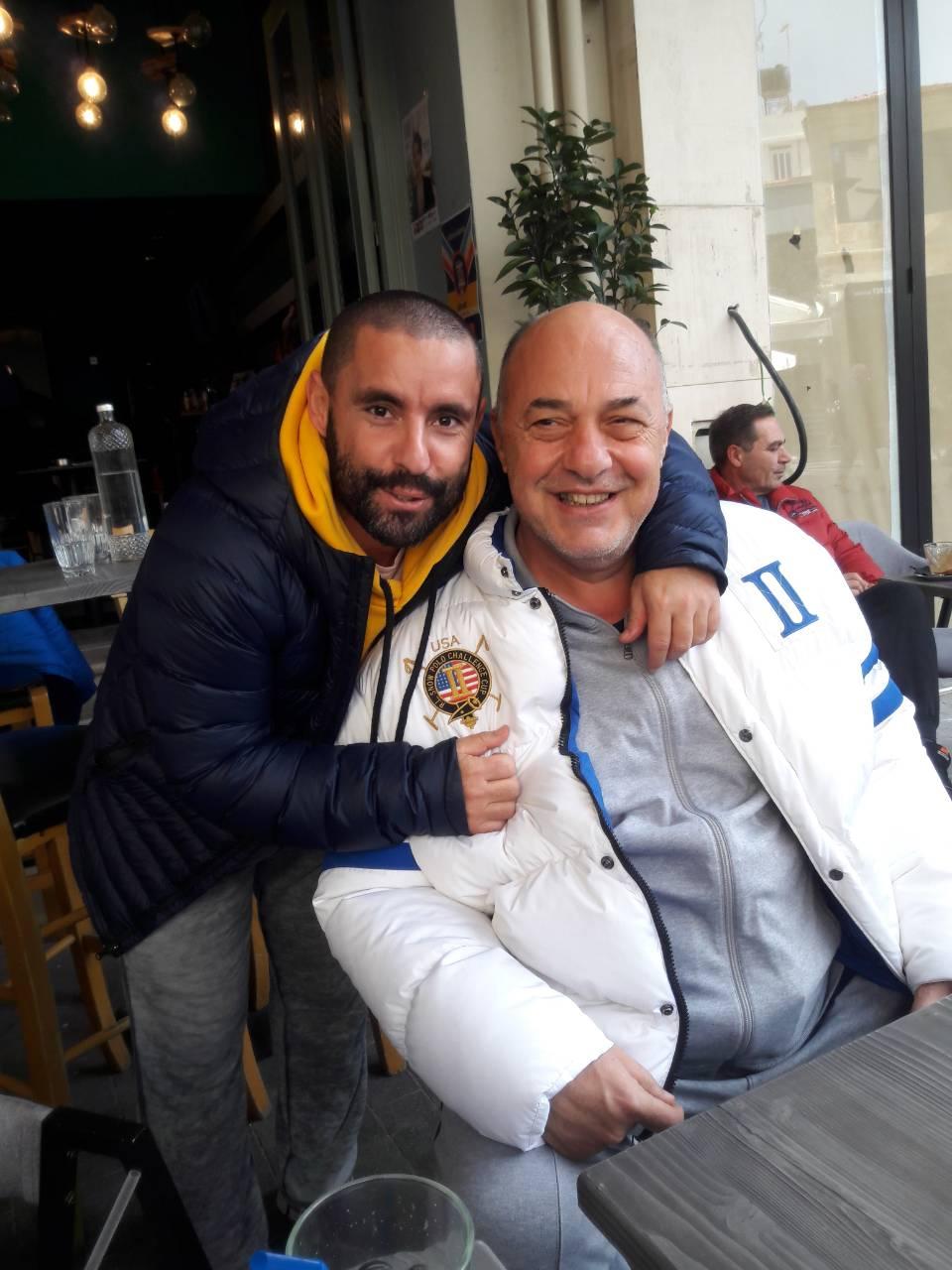 Καφέ με τον εορτάζοντα σήμερα Τσάτσο ο Μπέος στο Ηράκλειο!