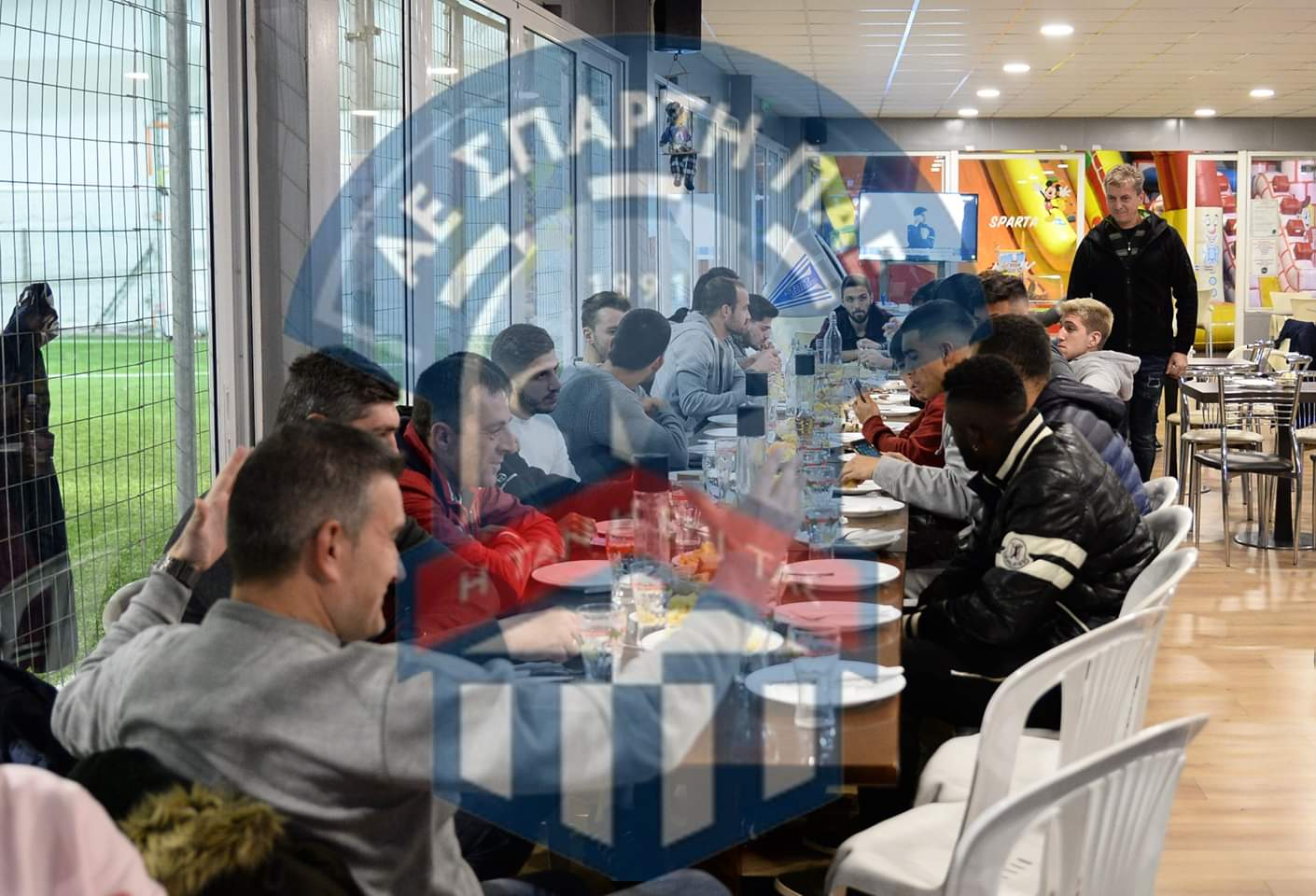 Γεύμα νίκης και με… νόημα χθες στην Σπάρτη, εν όψει Κέρκυρας (photos)