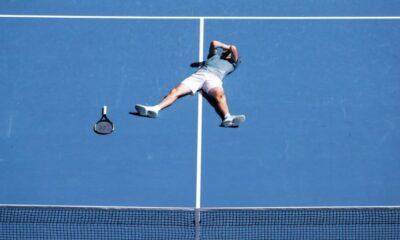 Γραφει ιστορία ο Τσιτσιπάς! Στα ημιτελικά του Australian Open! (videos) 10