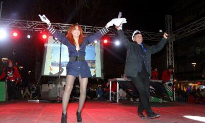 """Τα """"έσπασε"""" η έναρξη 7ου Καλαματιανού Καρναβαλιού – Ξέφρενο πάρτι στη κεντρική πλατεία Καλαμάτας (photos + videos) 16"""
