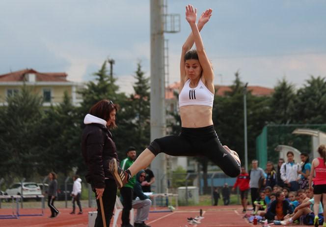 Ασημένιο Μετάλλιο η Χανδρινού στο Πανελλήνιο Σχολικό Πρωτάθλημα Στίβου Λυκείων