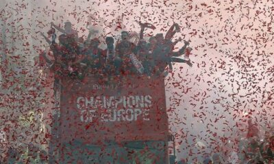 Λίβερπουλ: Παρέλαση θριάμβου μέσα σε κόκκινη λαοθάλασσα, σχεδόν 1.000.000 λαού!!! (photos +videos) 6
