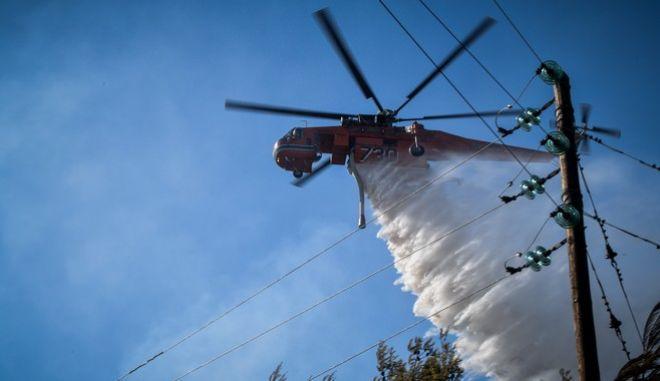 """Στο """"κόκκινο"""" και σήμερα η χώρα για φωτιές – Σε γενικό συναγερμό οι αρχές"""