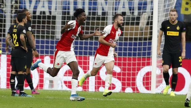 Champions League: «Κάζο» για Ίντερ, μοιρασιά στη Γαλλία