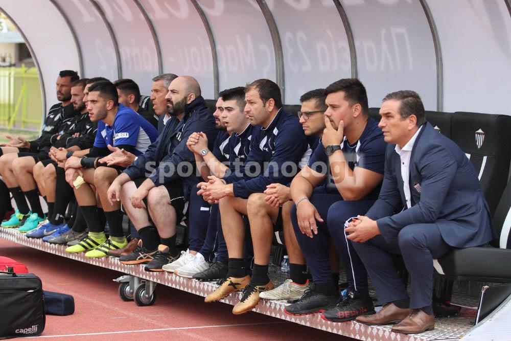 Οι προπονητές που έφυγαν και αυτοί που αντέχουν σε Football League…