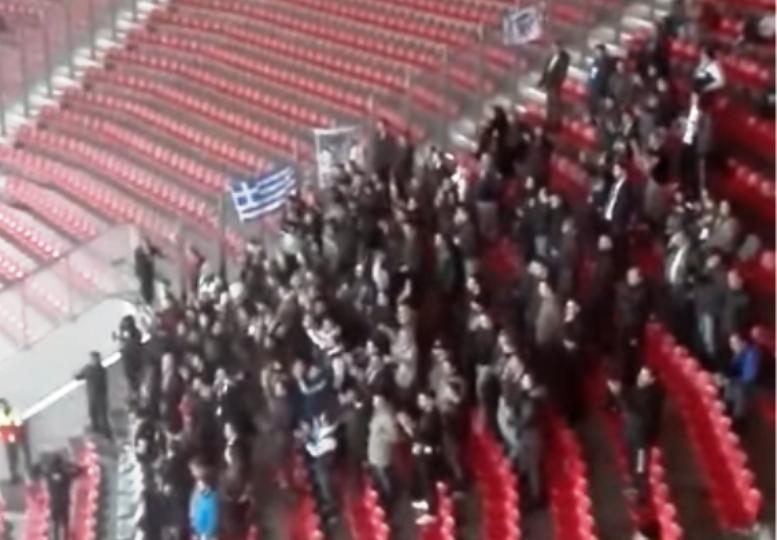 Οι οπαδοί της Μαύρης Θύελλας στο Γεώργιος Καραϊσκάκης (video)