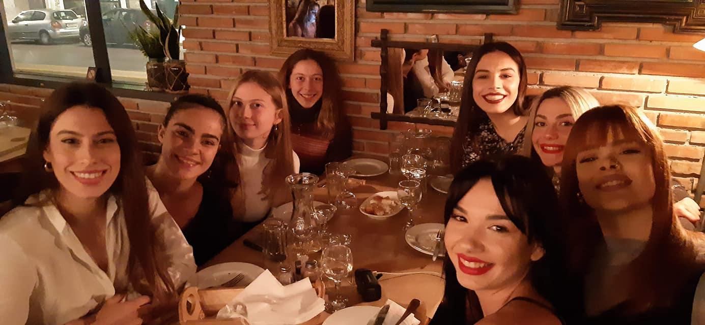 Με… Σοφία Καρακύκλα, την πίτα τους οι γυναίκες του Απόλλωνα Καλαμάτας! (pics+video)