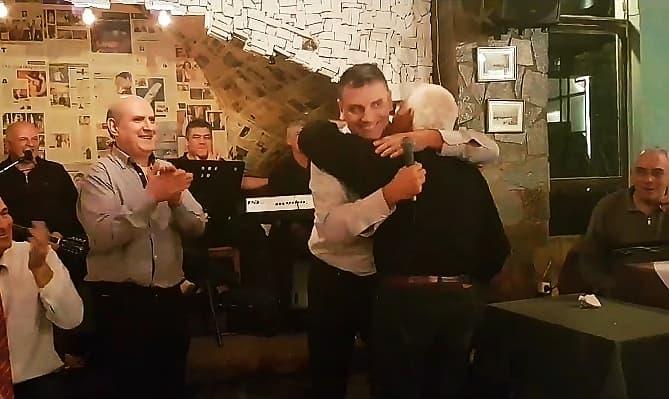 Συγκίνηση: Ο Γεωργούντζος αποθεώνει τον μεγάλο Μπιστικέα! (video)