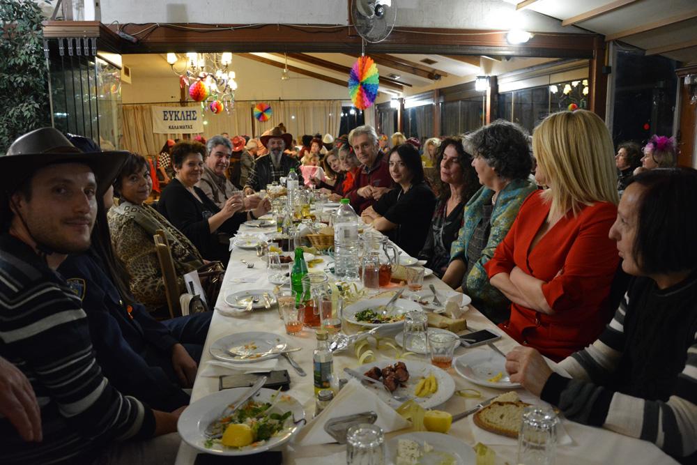 Οι πεζοπόροι του Ευκλή γλέντησαν, χόρεψαν και ξεφάντωσαν στην Αποκριάτικη γιορτή τους (photos)