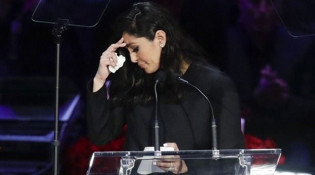 Δάκρυσε κι ο Θεός στην τελετή για τον Κόμπι και την Τζιάνα Μπράιαντ (pics + video)