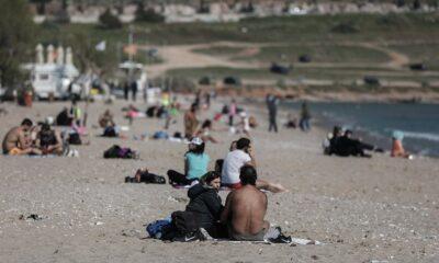Ανευθυνότητα χωρίς όρια – Γέμισαν πάλι τις παραλίες! Τι κάθεται και τους... κοιτάει η Κυβέρνηση; (pics) 29