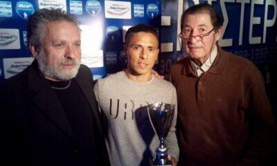 Ο Εσπινόζα δίνει βραβείο στον Ούμπιντες του Ατρόμητου (2016)