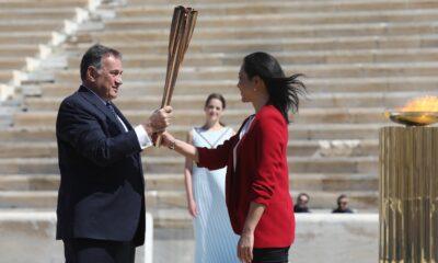 Χωρίς κόσμο η τελετή παράδοσης της Ολυμπιακής φλόγας στην ΟΕ του Τόκιο 2020 6