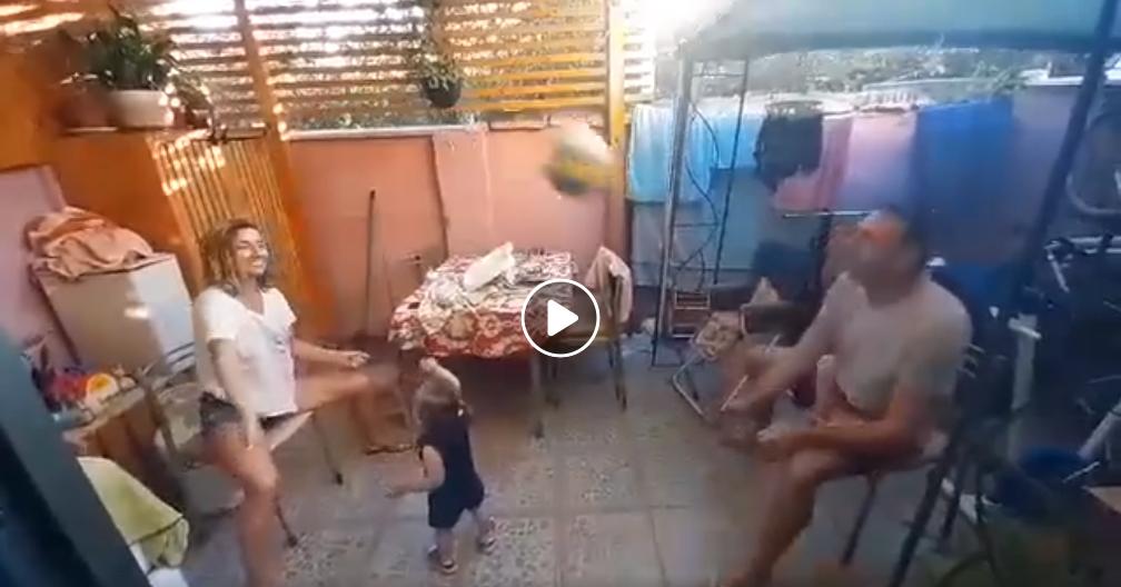 """Βαγγέλης Κουτουλέας: """"Μένουμε σπίτι"""" – ασκήσεις βόλεϊ για ζευγάρια (video)"""