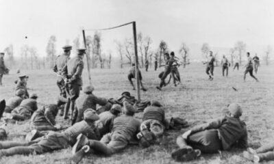 Όταν οι Άγγλοι έπαιζαν μπάλα εν μέσω… πολέμου 6