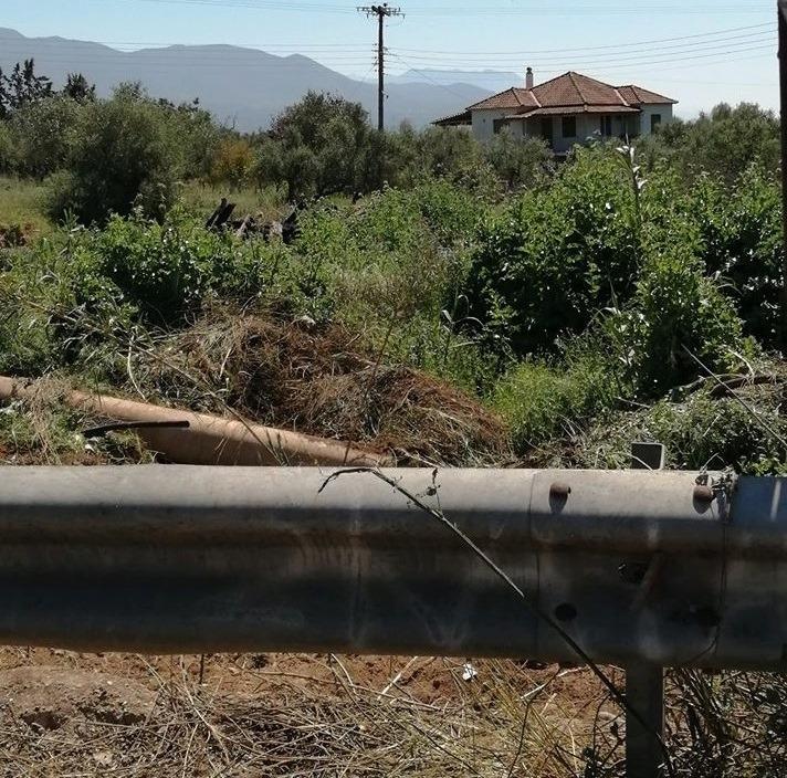ΣΟΚ σε Βαλύρα Μεσσηνίας: Ο πρόεδρος της Κοινότητας πέταγε μπάζα νεκροταφείου δίπλα στο ποτάμι!
