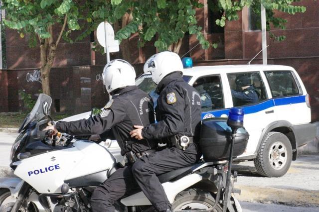 Kαλαμάτα: Συνελήφθη γιατί κάθονταν άτομα στο κατάστημα εστίασης