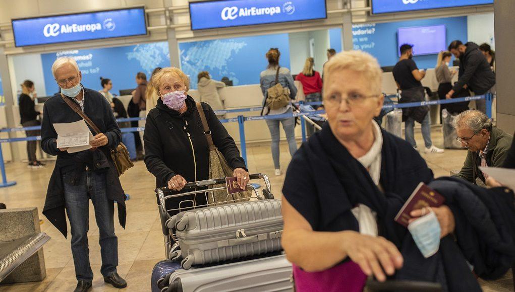 5 κρούσματα, ένα από τυχαίο έλεγχο στο αεροδρόμιο, πόσα άλλα θα πέρασαν… μπαϊ;