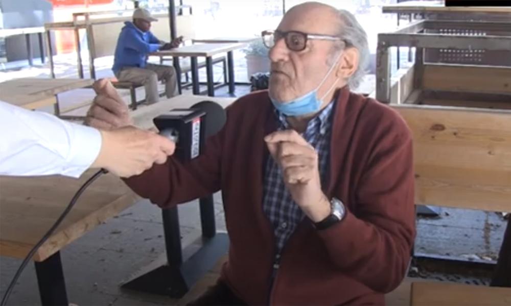 Σούπερ ατάκα: «Αν πεθάνω θα πεθάνω από την γυναίκα μου που θα πηγαίνει στα κομμωτήρια» (video)