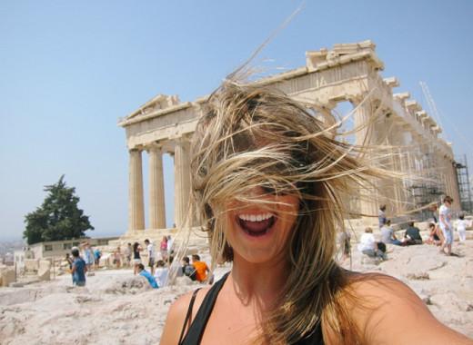 Τρία νέα κρούσματα, ένας θάνατος- Κάντε τεστ στους τουρίστες