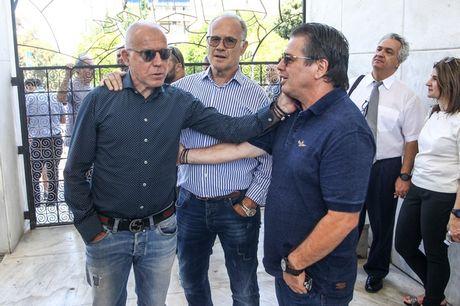 Με Νίκο Αναστόπουλο το τελευταίο αντίο σε Νίκο Αλέφαντο (pics)
