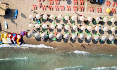 Κορονοϊός: Αρχίζουν οι… εκπτώσεις και στις παραλίες