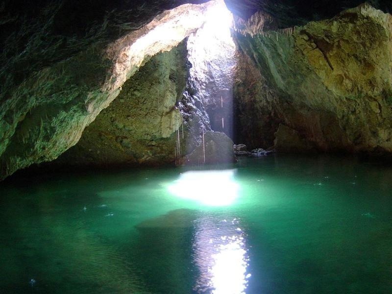 Ευκλής Καλαμάτας: Εξερευνούν τα καλντερίμια της Καρδαμύλης και το σπήλαιο Βατσινίδη