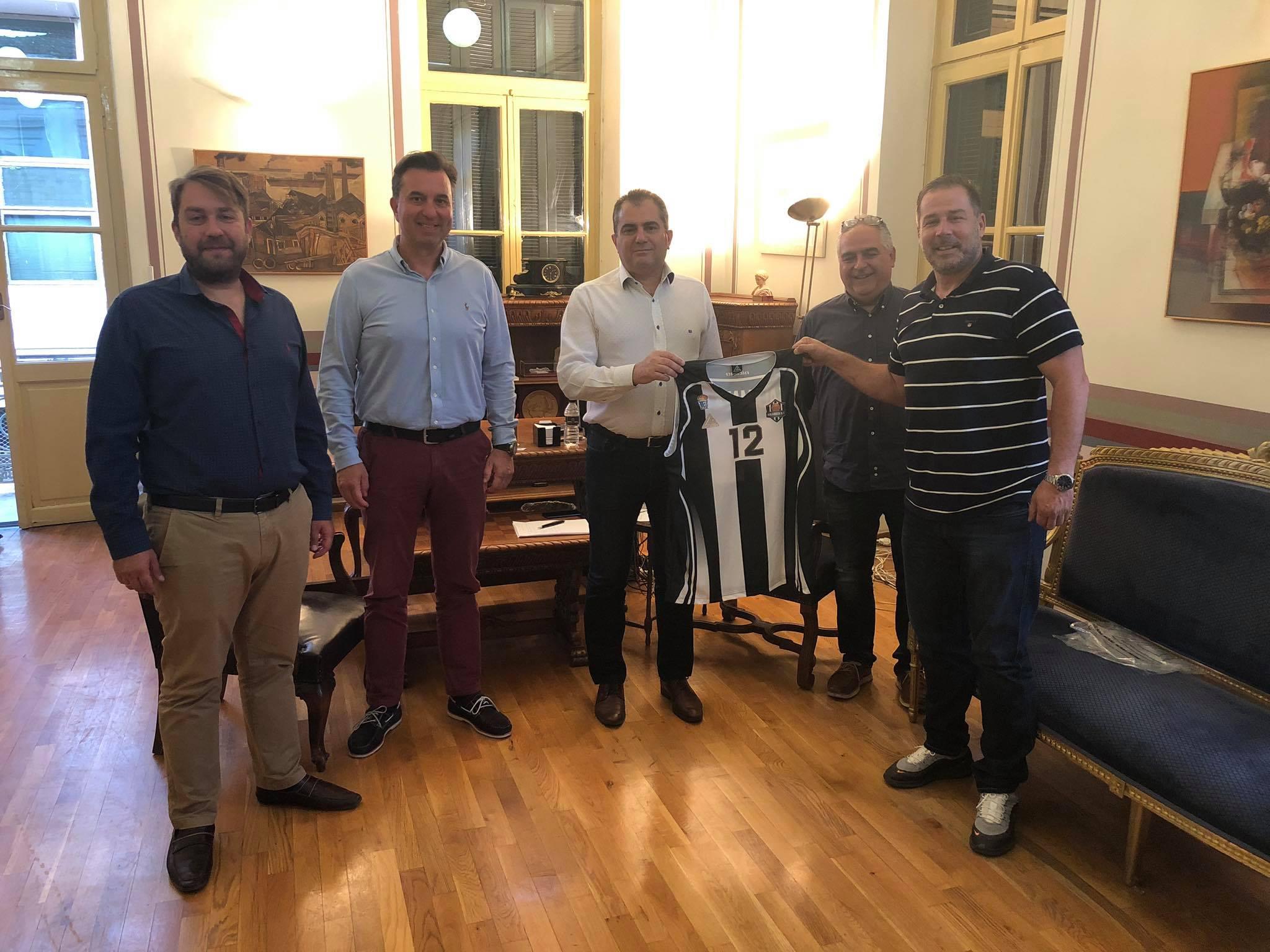 Συνάντηση Δημάρχου με μέλη της διοίκησης της Καλαμάτα BC