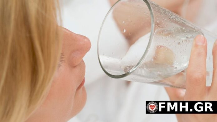 Το νερό βοηθά στο αδυνάτισμα;