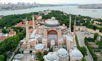 ΣΟΚ: Τζαμί (!) η Αγιά Σοφιά! Ε, και; Μην πατάτε πια στην Τουρκία…