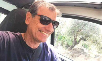 """Ξεσπαθώνει ο Σωτήρης σε LIVE, πριν το… μπάνιο: """"Ελλάδα η χώρα των μασκαράδων""""! (video)"""