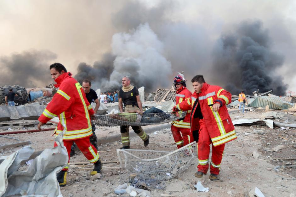 Εικόνες αποκάλυψης στη Βηρυτό : Πάνω από 100 νεκροί και 4.000 τραυματίες (+pics)