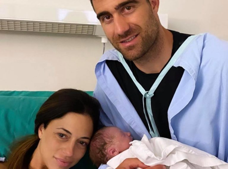 Kαι κοριτσάκι από σήμερα ο Παπασταθόπουλος (+Pic)