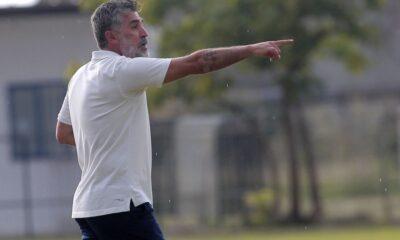 """Ζήτω πάλι το ποδοσφαιρικό Ελλάντα: """"Διώξαμε τον πετυχημένο προπονητή μας""""! 6"""