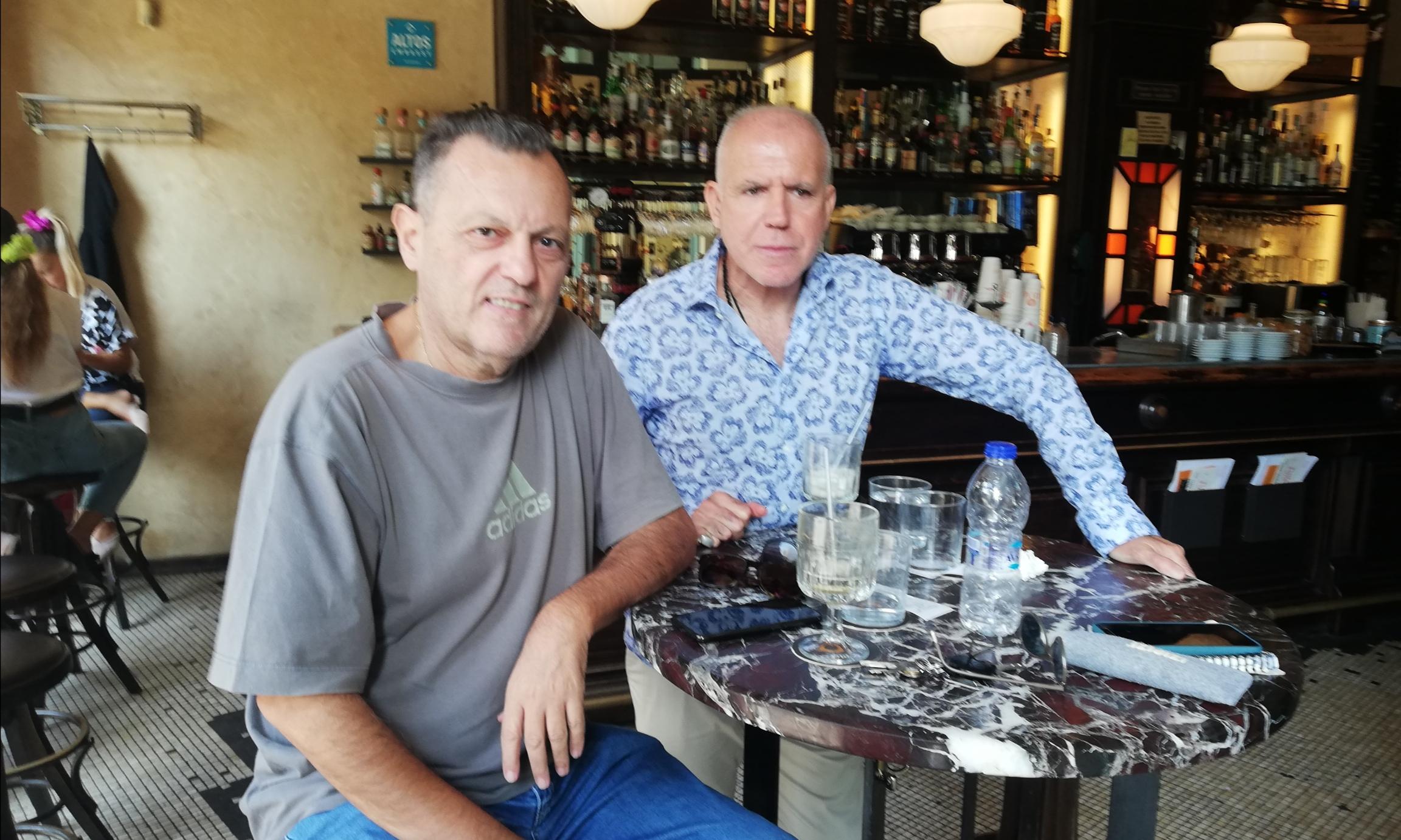 Για καφέ στην Καλαμάτα Σαρελάκος και Αναστόπουλος