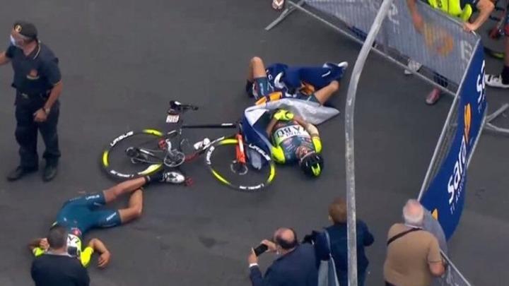 Ελικόπτερο προκάλεσε σοβαρούς τραυματισμούς στον ποδηλατικό γύρο της Ιταλίας
