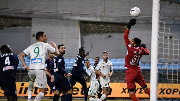 Λαμία – Παναθηναϊκός 0-2: Εποχή Μπόλονι, Καρλίτος